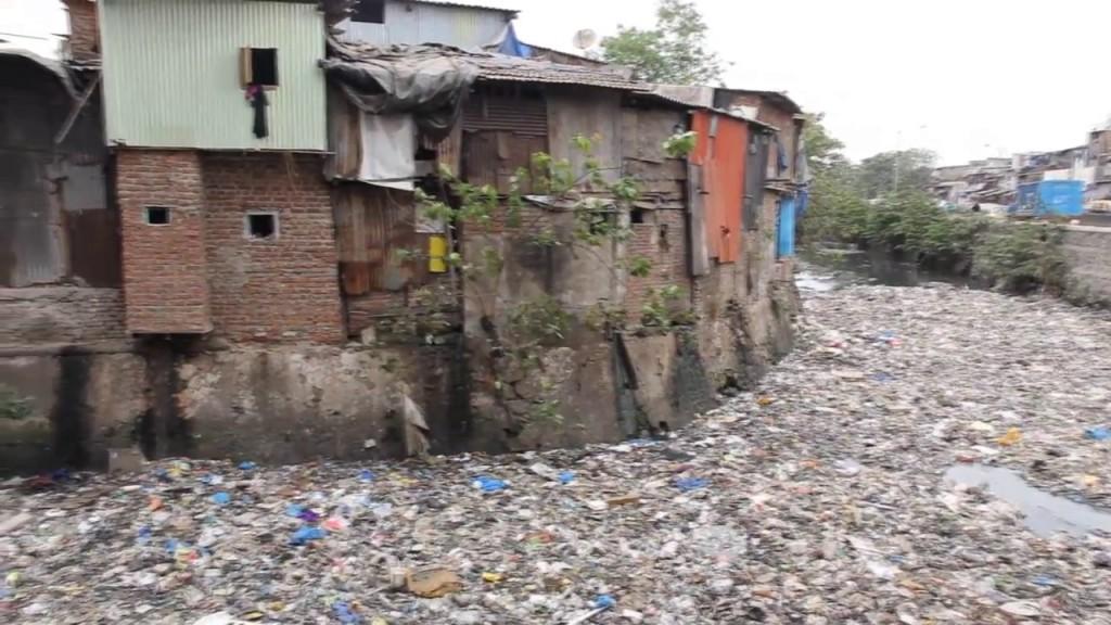 mumbai airport slums