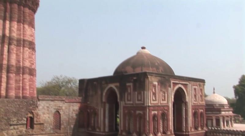 Qutb Minar Delhi - India.mp4.0007