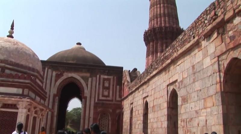 Qutb Minar Delhi - India.mp4.0012